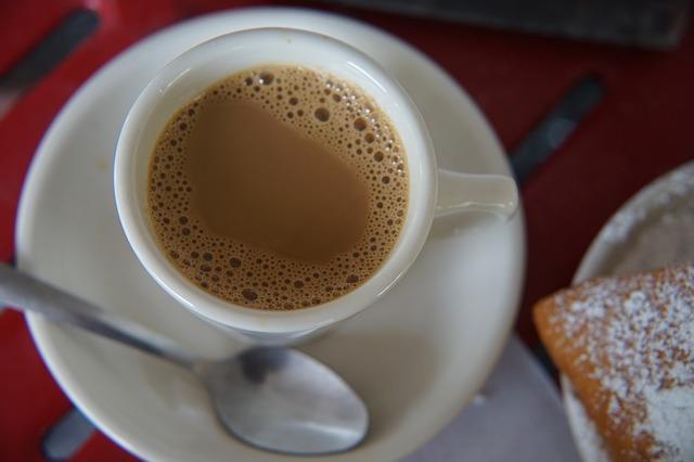 biegunka po kawie z mlekiem
